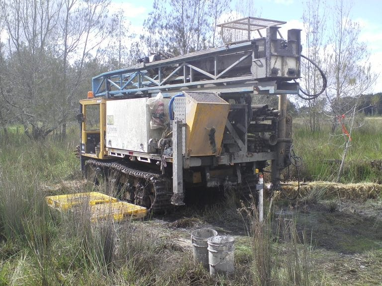 TRACK MOUNTED HYDRAPOWER SCOUT - Drilling Contractor Newcastle & Hunter Valley - Total Drilling
